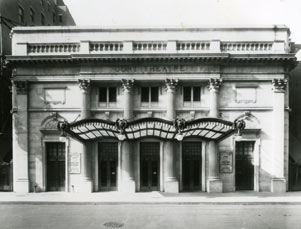 Cort Theatre Exterior at theatre opening, 1912.jpg