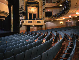 Shubert Theatre Interior, Orchestra and Box.jpg
