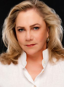 Kathleen Turner to Star in New Off-Broadway Play